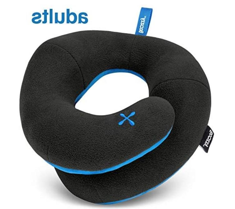 chin supporting travel neck pillow for traveling